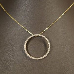 "14KY Gold Diamond Circle Pendant W/18"" Box Chain"